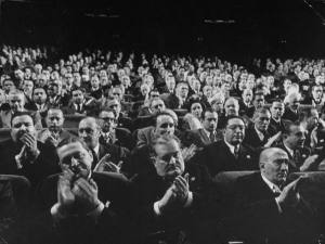 toptenz-clapping-audience